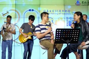 由广华医院的医护人员组成的乐队Band One即场表演精湛歌艺。