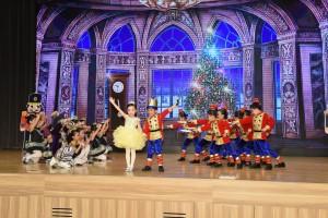 东华三院香港华都狮子会幼稚园的同学们,落力演出,以《胡桃夹子与老鼠王》的舞蹈表演为午宴揭开序幕。