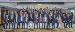 东华三院顾问局成员、董事局成员、历届主席、总理,以及各部门主管合照。